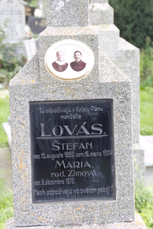 Lovas Grave